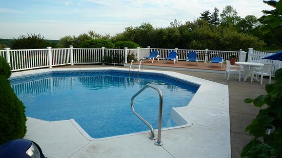 the pool at the Glen Cove Inn & Suites