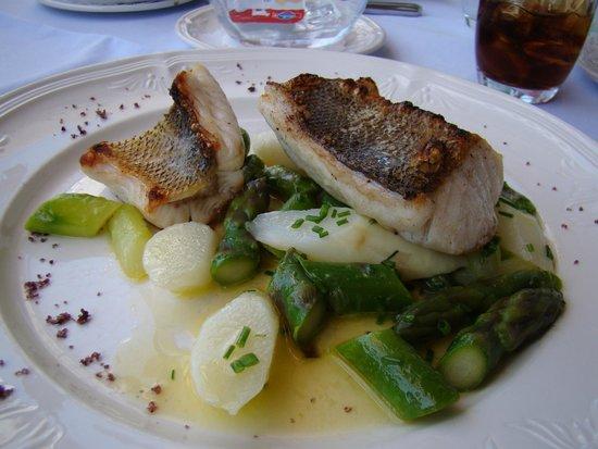Restaurant Zugersee Lido: Sandre poêlé et aspersges