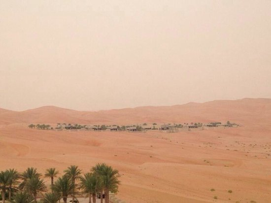 Qasr Al Sarab Desert Resort by Anantara : It is really a palace in the desert!