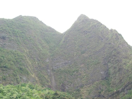 Iao Valley State Monument : OTHER MOUNTIANS IN AREA