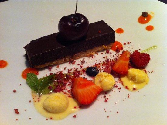 International SV: Шоколадный тортик