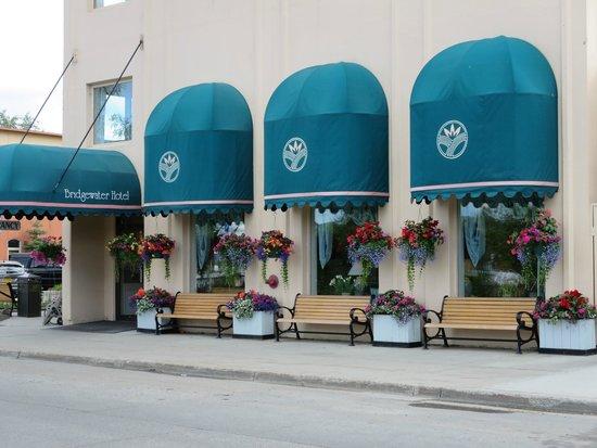 Bridgewater Hotel: Cute baskets with fresh flowers were a fun welcome!