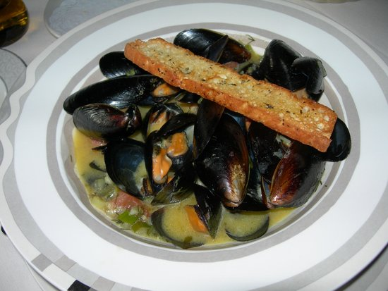 Castle Hill Resort And Spa: Appetizer of Mussels for dinner