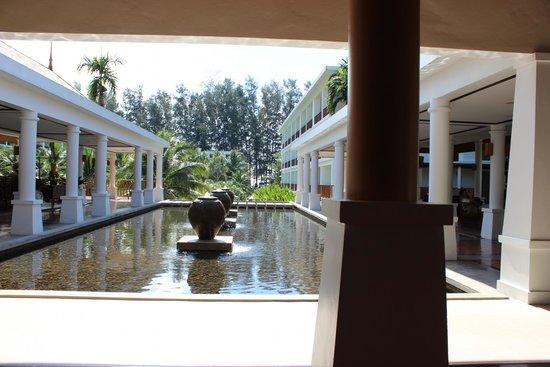 Naithonburi Beach Resort: Отель