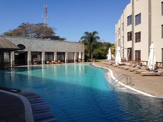 Radisson Blu Hotel Lusaka: Piscine