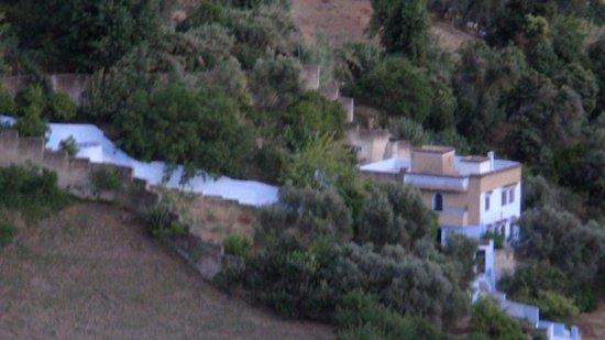 Hotel Parador - Chefchaouen : Vue de l'hôtel, côté piscine