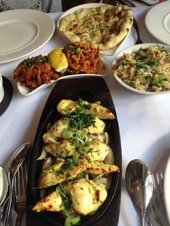 Spice Lounge Wargrave: Garlic Naan, Onion Bhajee, Special Rice, Nazakat Chicken
