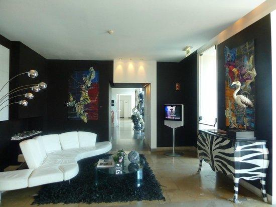 Farol Hotel: Hotel lounge area