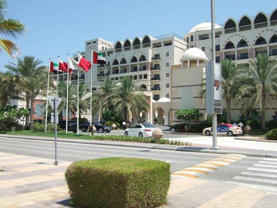 Jumeirah Zabeel Saray: Zabeel Saray Hotel Front