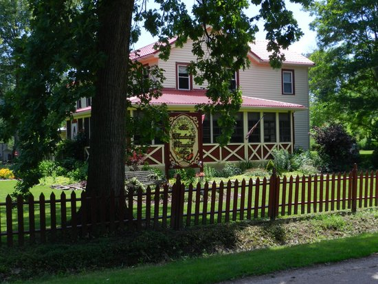 The Wandering Pheasant Inn: The Wandering Pheasant Bed & Breakfast Inn