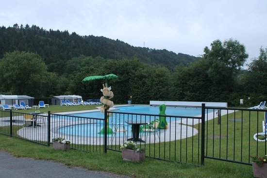 Camping Spa d'Or : The Swimming Pool