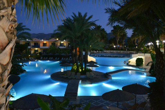 Atrium Palace Thalasso Spa Resort & Villas : Бассейн.