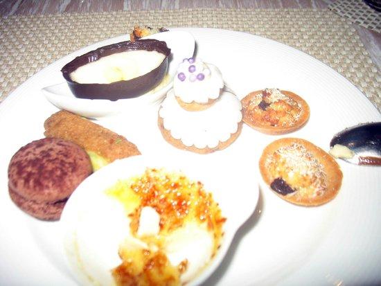 Long Beach Golf & Spa Resort : Dining dessert