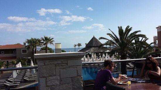 Family Life Creta Paradise by Atlantica: Utsikten vid frukost