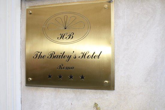 Bailey's Hotel: Hotel front plate.