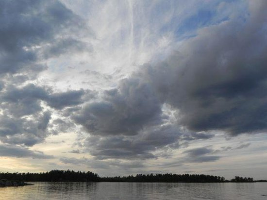 Northern Lights Resort & Outfitting: The sky, clouds and light are incredible