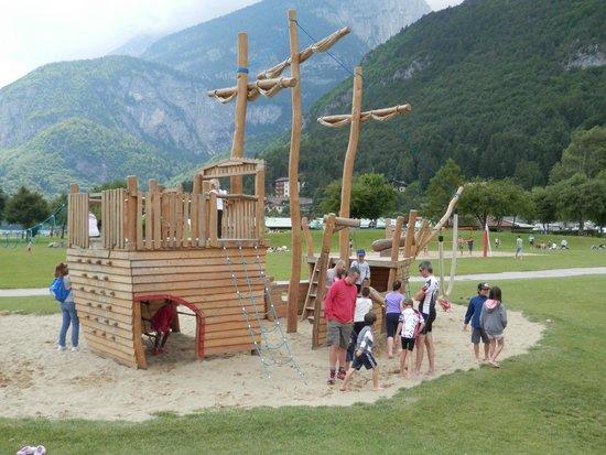 Lago di Molveno: parco giochi