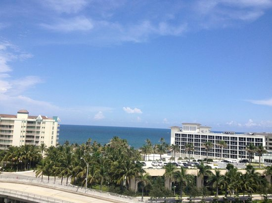 Waterstone Resort & Marina Boca Raton, Curio Collection by Hilton: View facing the ocean