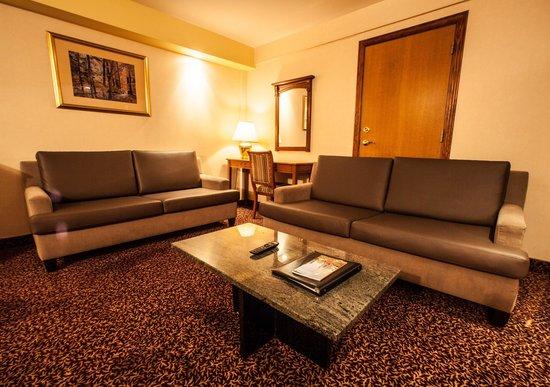 Hotel Espresso Montreal Centre-Ville/Downtown: Executive Suite Living-room 700