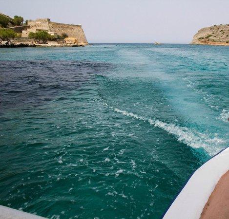 Elounda Island Villas: The water is beautiful