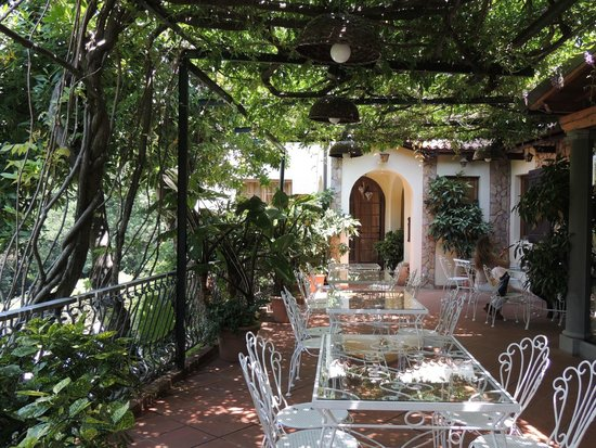 Your Tour in Italy by Aldo Monti: Restaurant in Tuscany
