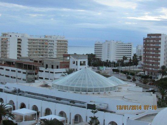Tej Marhaba Hotel : Sea view over the indoor Pool