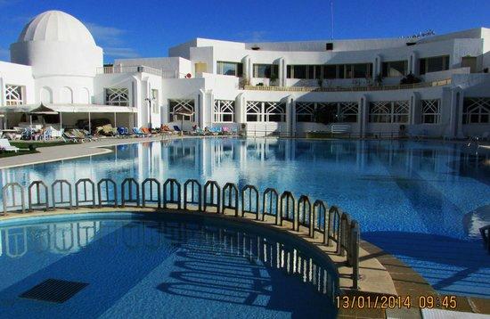 Tej Marhaba Hotel : Pool area