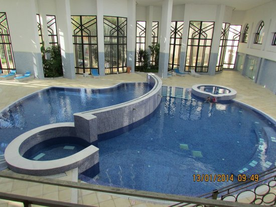 Tej Marhaba Hotel : Indoor Pool and safe kids swimming