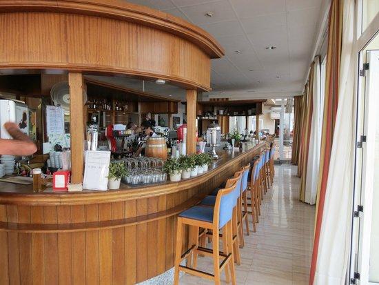 Hotel Las Arenas: Bar