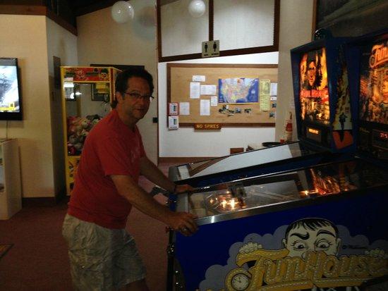 Benbow Historic Inn: KOA gameroom (high score 1 & 2!)