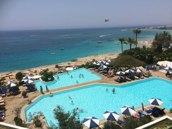 Atlantica Club Sungarden Hotel: View of main pool from reception