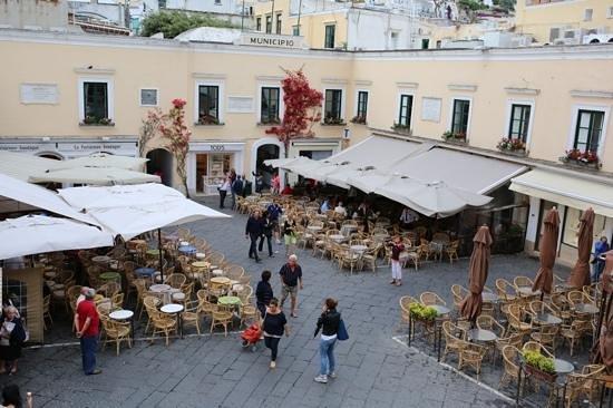 Capri Tiberio Palace: Capri square