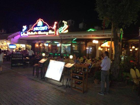 Sultan Ahmet Restaurant: Outside