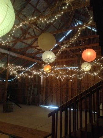Maison la Belle Vie Winery: Cool Party Room
