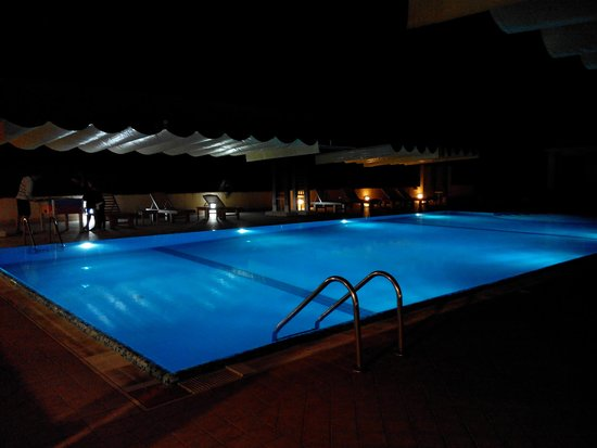La Terra dei Sogni: piscina esterna