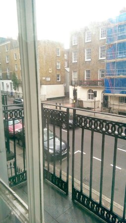 MStay 146 Suites: View from the room to Gloucester Place