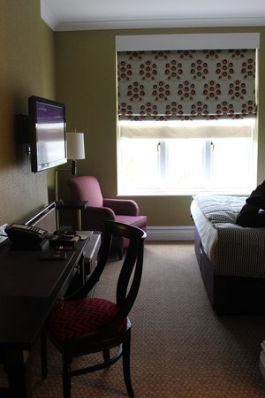 St. Ermin's Hotel, Autograph Collection: Desk, TV, & Window upon walking into the room