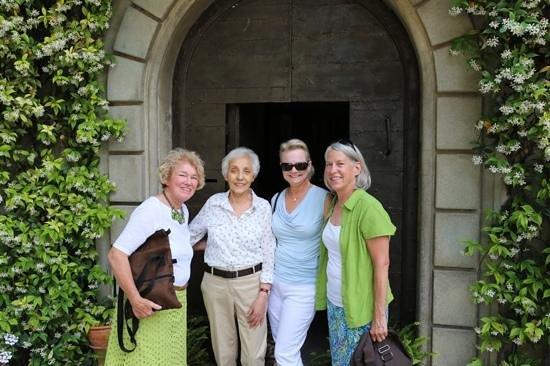 Villa Taticchi : Anabella greats the guests