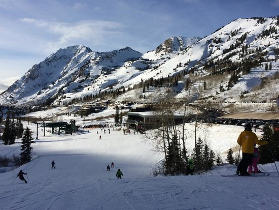Snowpine Lodge is on the right, just beyond the main Alta base area.