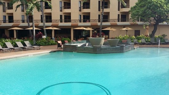 Courtyard Kaua'i at Coconut Beach: Pool with Firepit