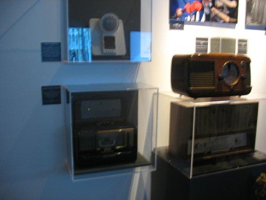 Castel Sant'Elmo : Le Radio di Ieri