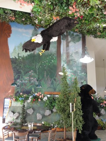 Motel Trees: Themed restaurant
