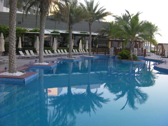 Radisson Blu Hotel, Abu Dhabi Yas Island: Part of one of the pools