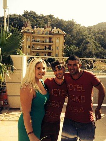 Grand Pasa Hotel: Dj Jimmy and Owen