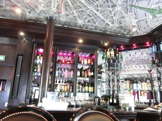 L'Aventure: nice bar