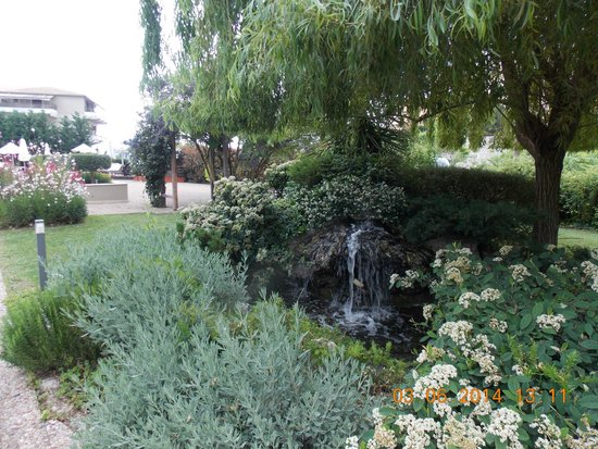 Corfu Mare Boutique Hotel: Water feature