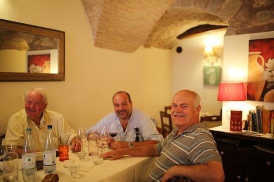 Osteria Dei Priori : Happy Guests