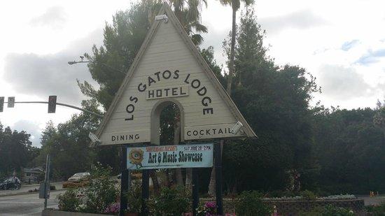 Los Gatos Lodge : entrance