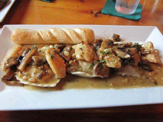 Tuckermans Restaurant & Tavern : The chicken marsala with mushroom ravioli dish