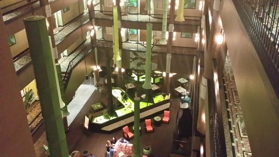 Holiday Inn Hotel & Suites - Ocala Conference Center: Atrium